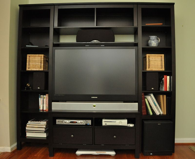 Luxury Small Entertainment Cabinet with Doors