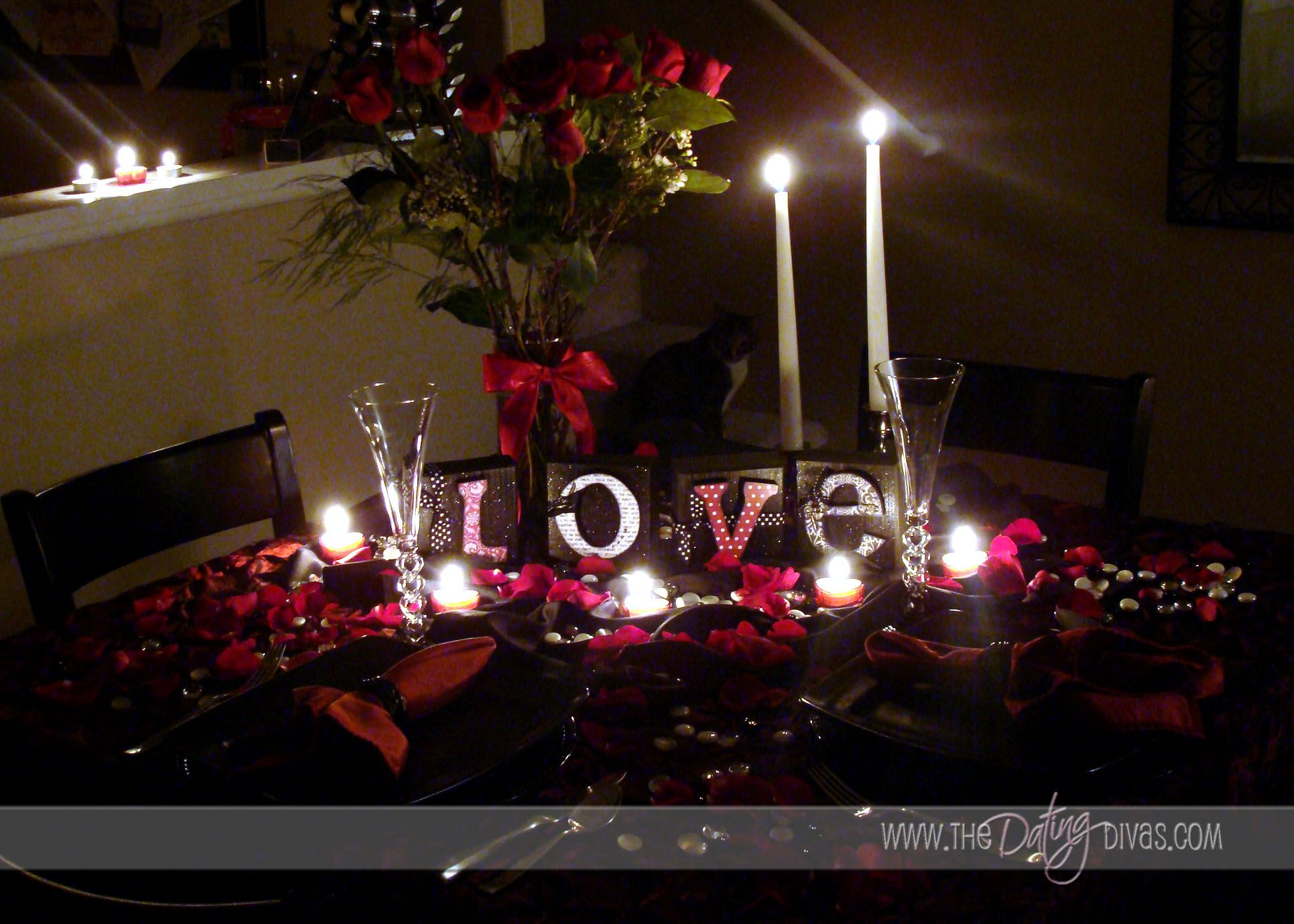 Valentine S Dinner Table I Love The Candle Lit Rich Look Of This Romantic