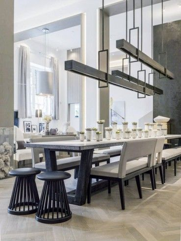 Kelly Hoppen S Dining Room Table Can Hold 30 Guests