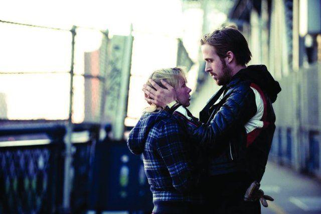 Still of Ryan Gosling and Michelle Williams in Blue Valentine