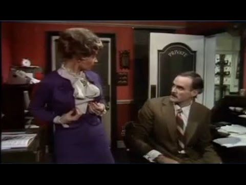 Fawlty Towers 1-1 / A Touch of Class - YouTube
