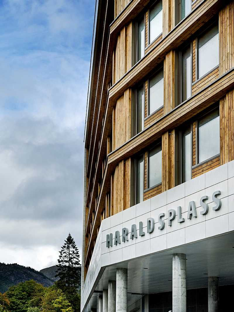 New Ward Building For The Haraldsplass Hospital In Bergen Norway By C F Moller Architects Replacing Traditional Corridors With Building Architect Hospital