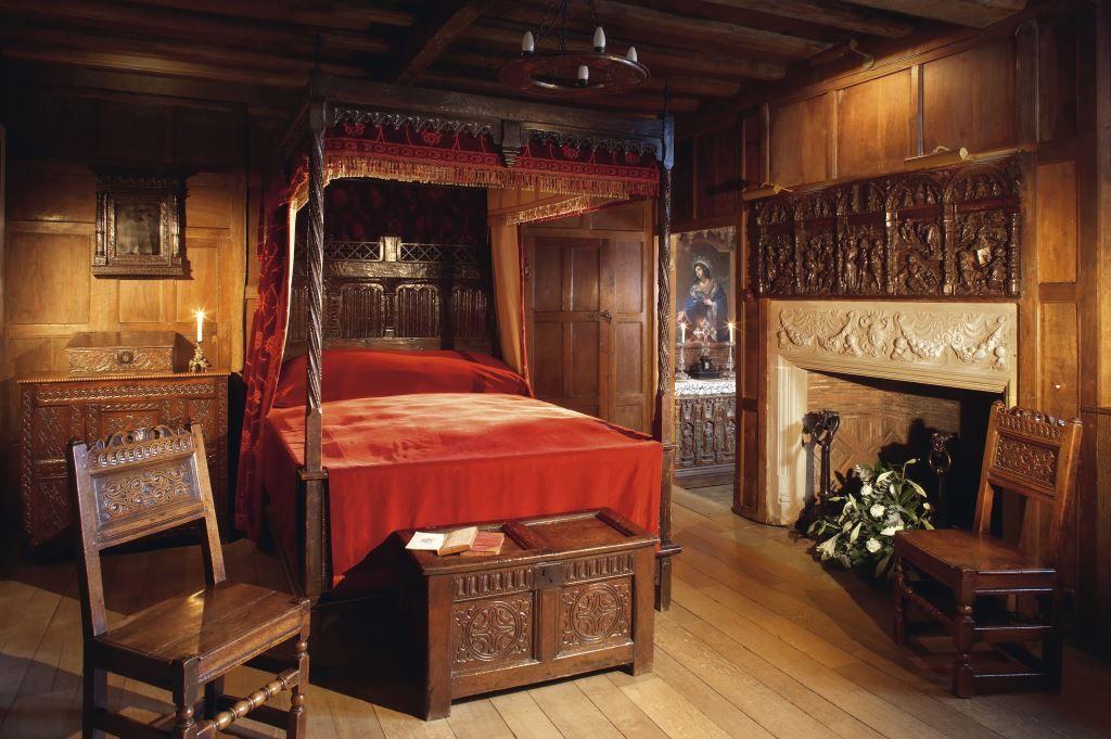 Bedchamber belonging to Margaret Erksine  0d556b6b972606c33ec6104072a959b1
