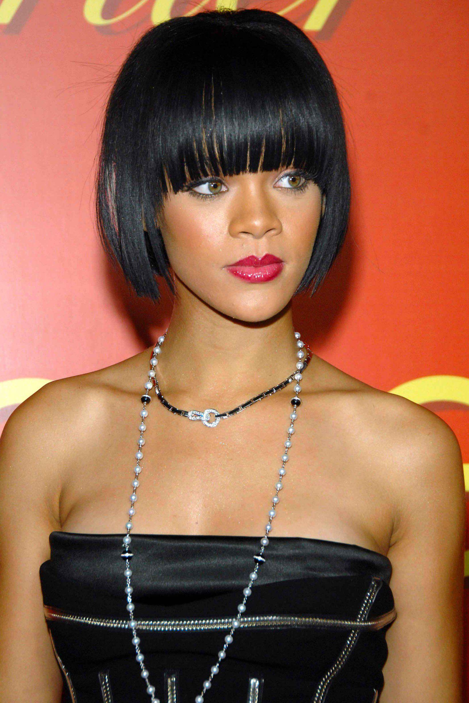 Les 23 coiffures les plus canons de Rihanna Idées