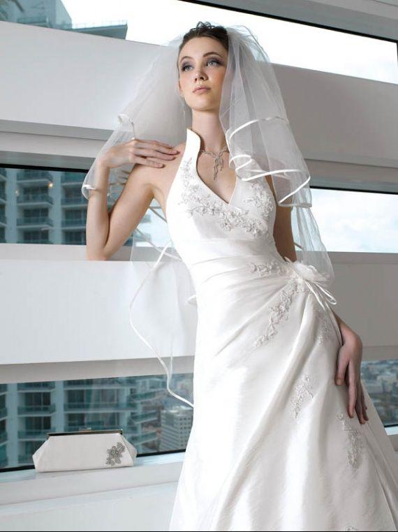 Robe de mariee fourreau haut cache coeur