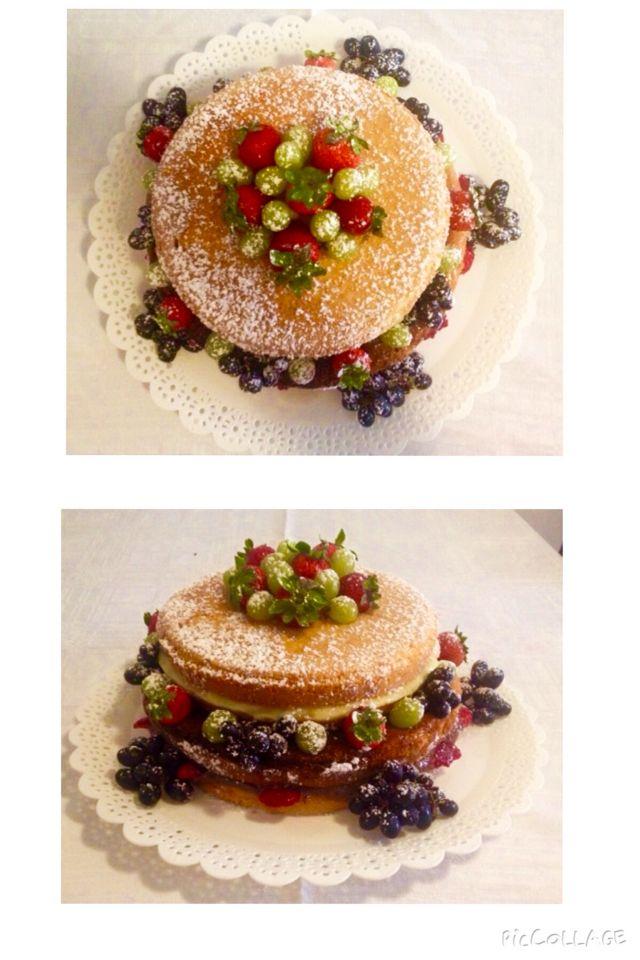 Naked cake de massa de pão de ló e recheios de brigadeiro branco e brigadeiro preto. Nossos bolos feitos com amor e carinho para você! Orçamentos e encomendas: queroacucarbolos@gmail.com e pelo celular e whatsapp (21) 98056-6621