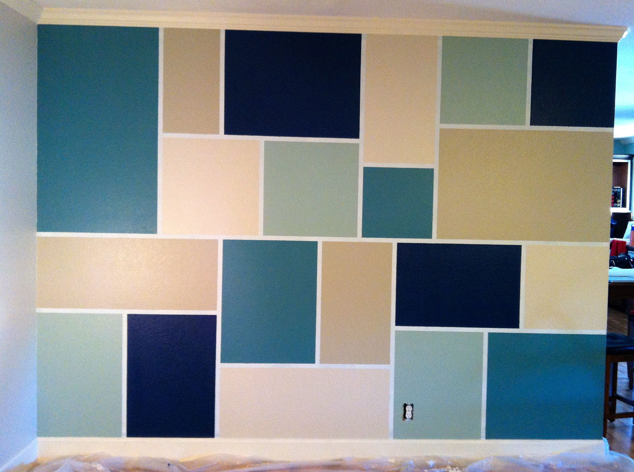 Feature wall step 1 tape out design step 2 paint for Images of interior painted walls