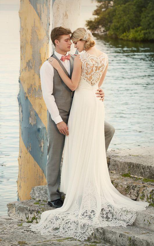 Designer Beach Wedding Dress by | Vintage brautkleider, Brautkleider ...