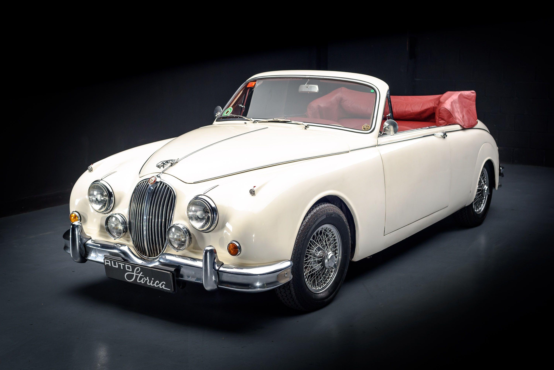 Pin By Leslie Inman On Collectible Cars In 2020 Jaguar Car Classic Cars Jaguar