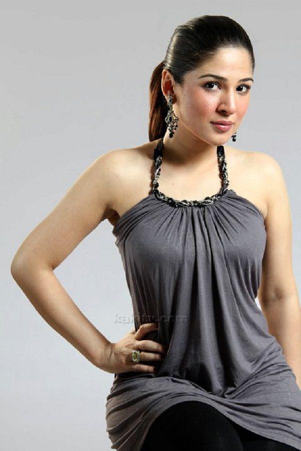 14 Best Aima BaiG.. images | Pakistani models, Celebrity ...