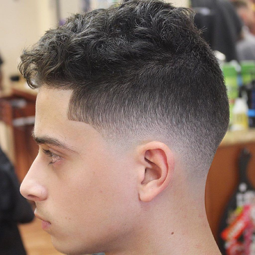 Mid Fade Short Curly Hairstyles For Men Cool Short Hairstyles Hairstyles Haircuts Haircut Types