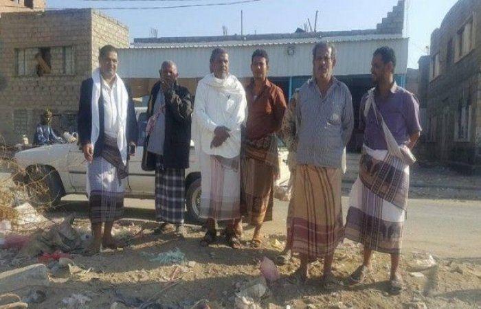 اخبار اليمن : تدشين حملة نقل تجمع القمامة المتكدسة في سوق وشوارع مدينة لودر