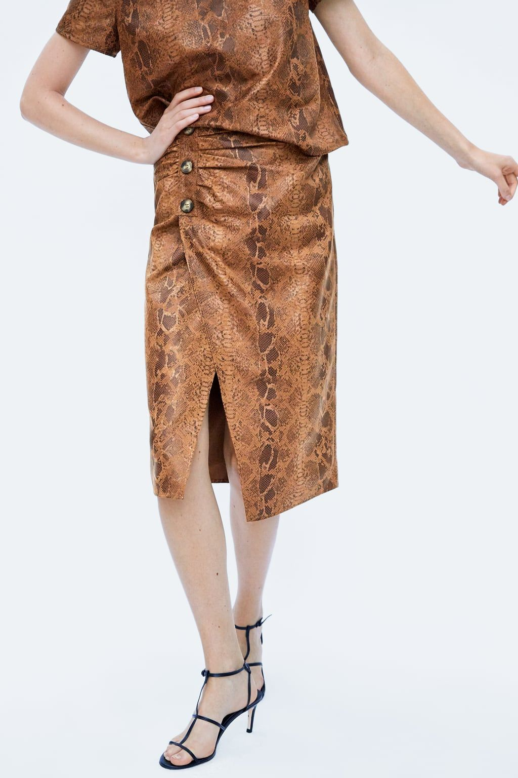 3fda9bfc2d5cd2 Image 5 of FAUX SUEDE SNAKESKIN PRINT SKIRT from Zara | Garment Ideas