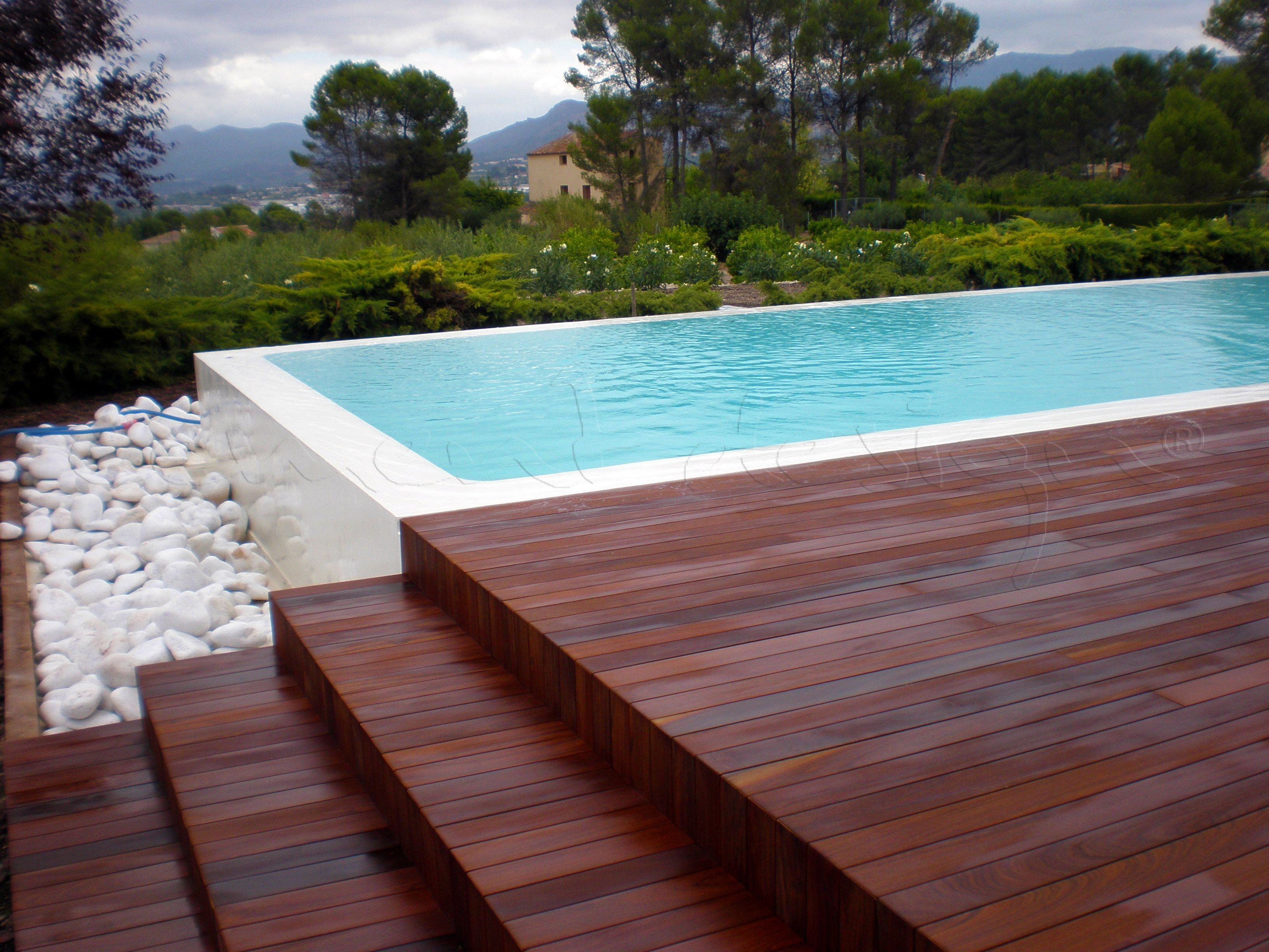 Piscina by cement design piscinas pools by cement for Piscina u central