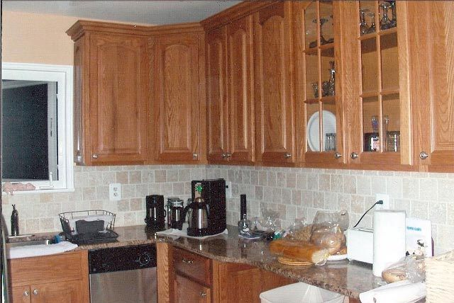 Kitchen Backsplash For Oak Cabinets mass produced kitchens: american woodmark cabinets review - yahoo