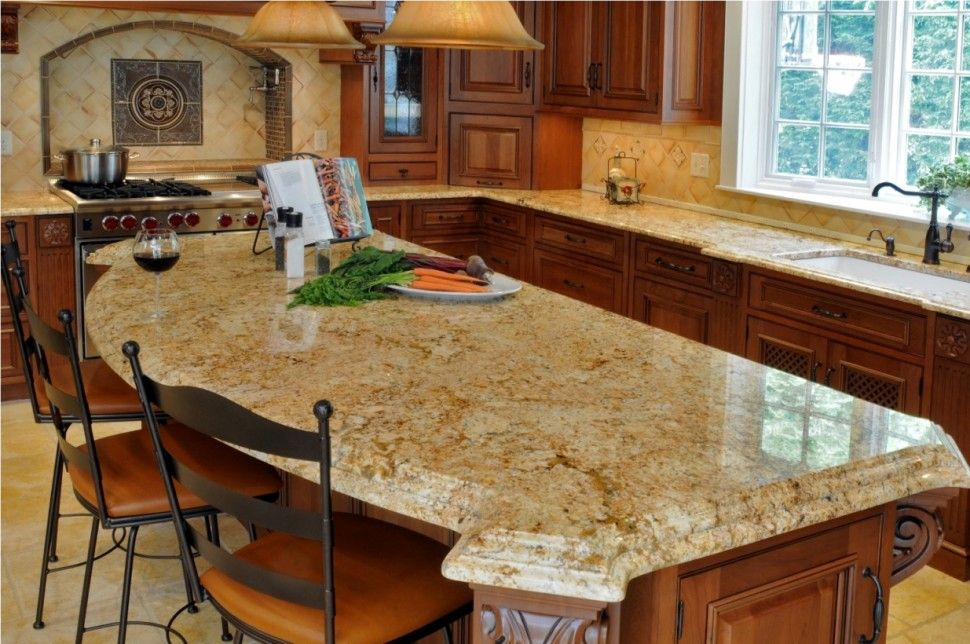 Kitchen Quartz Countertops With Oak Cabinets Bar Stools