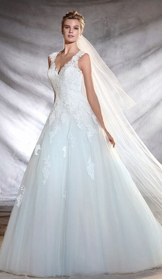 939546f84 Wedding dress idea  Featured Dress  Provonias