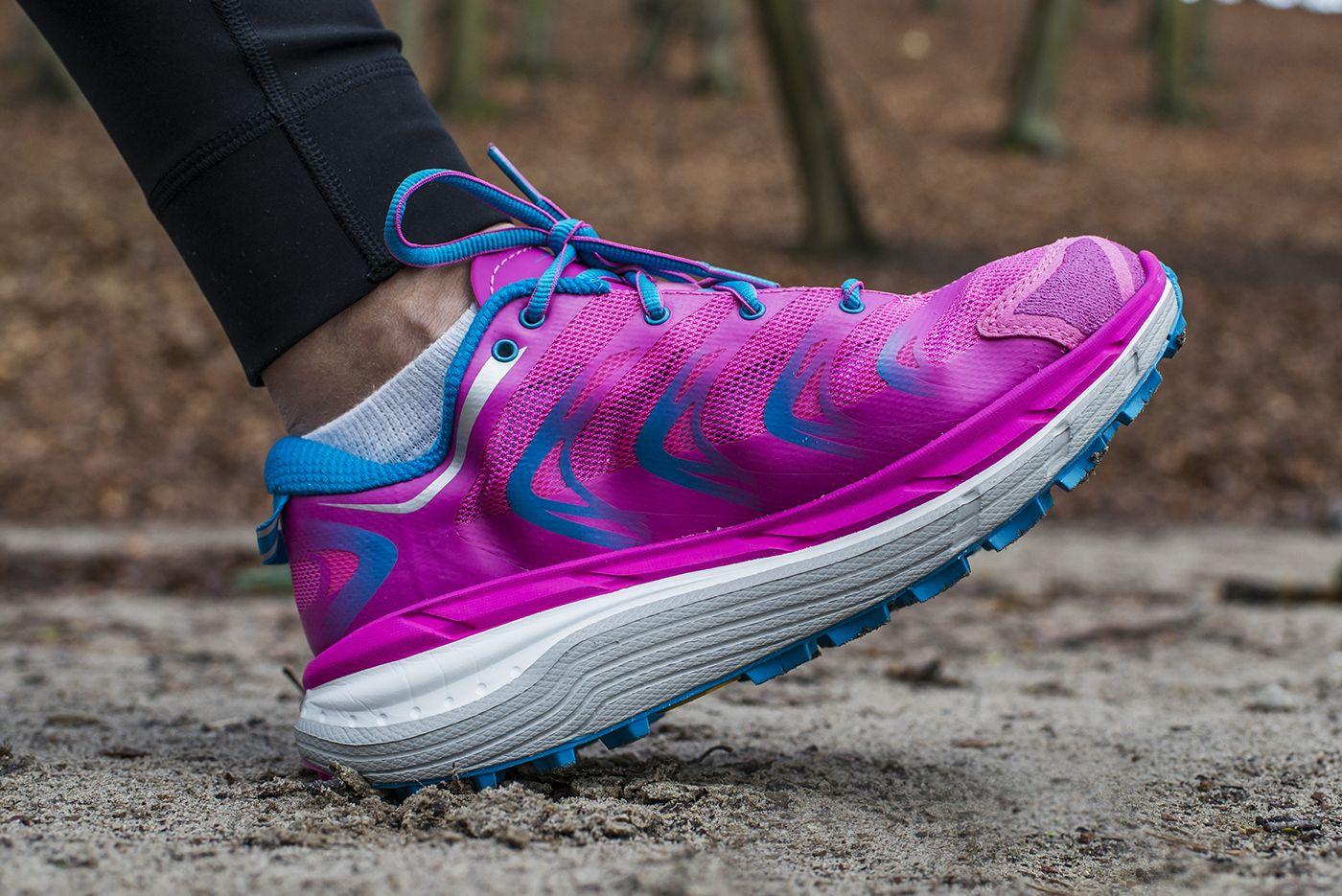 Hoka One One Speedgoat W Nowej Odslonie Dostepne Takze W Wersji Damskiej Lekkie Z Duza Dawka Amortyzacji A 5 M Hoka Running Shoes Running Shoes Sneakers