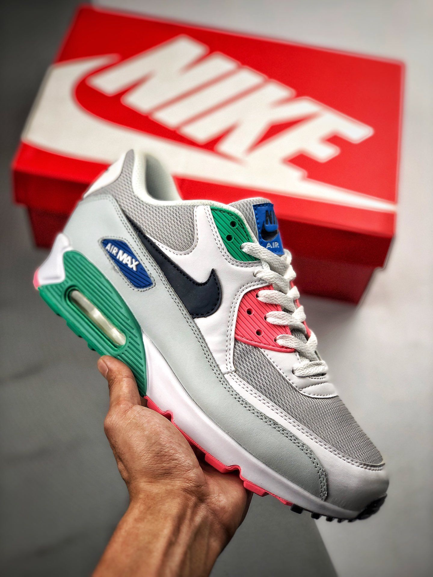 what to wear with nike air max 90