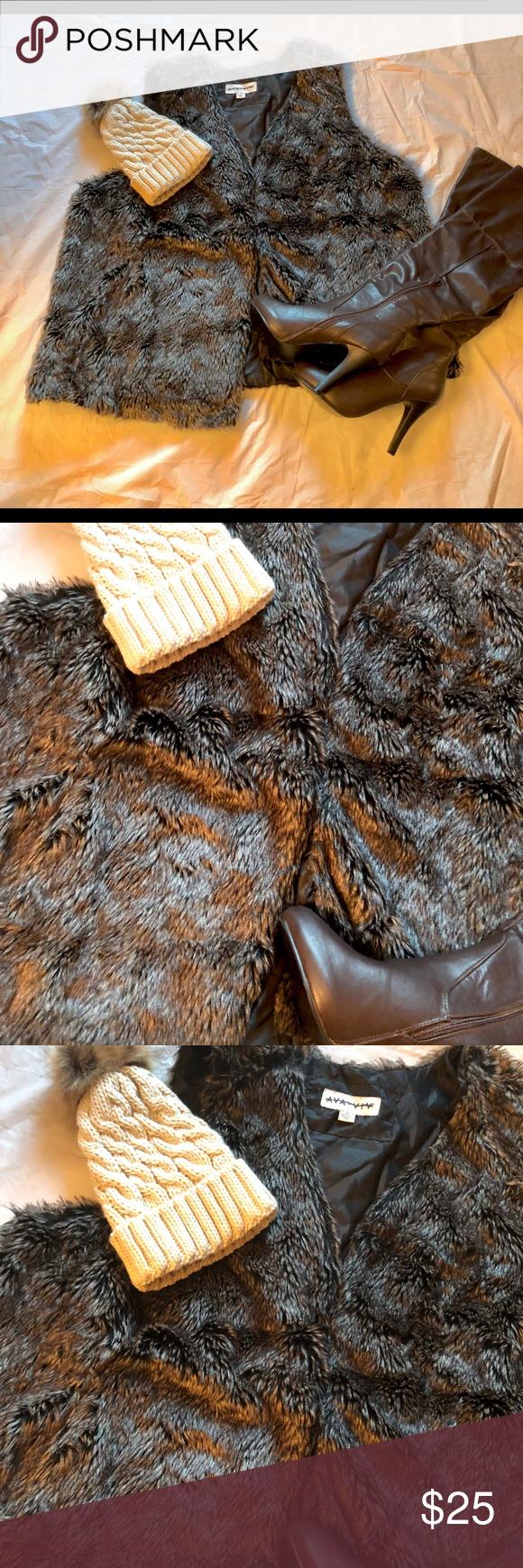 Faux Fur Vest🍂🍁🍁 Excellent condition,hook eye closers,Roomy armholes.🍁🍂🍁 Ava & Viv Jackets & Coats Vests