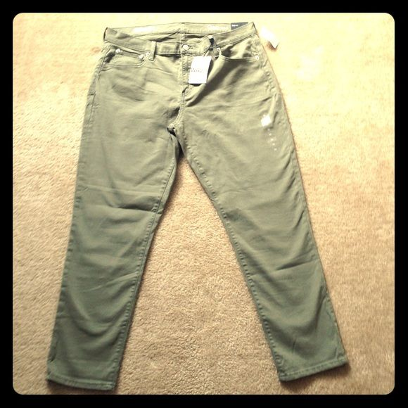 Gap Olive Green Girlfriend Jeans Never worn mid rise with stretch olive green jeans!  Has 4 real pockets unlike other jeans these days! GAP Jeans Boyfriend