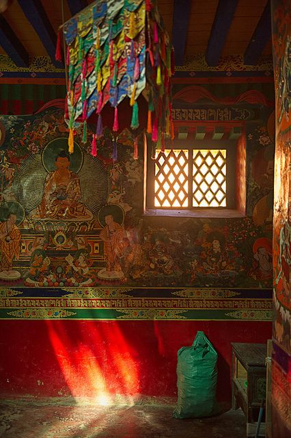 Colors and patterns of Tibet
