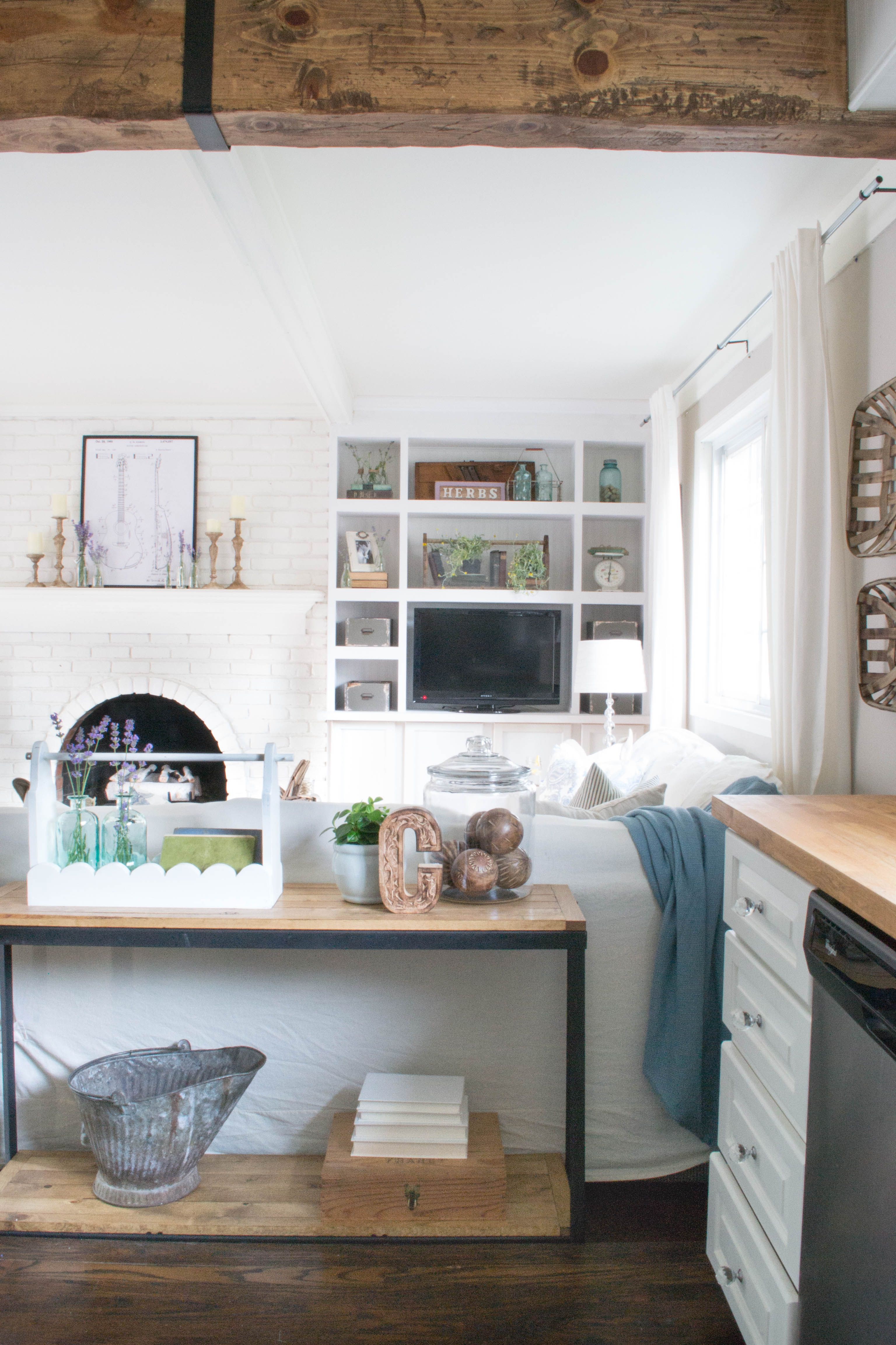 Reclaimed Wood Beam Diy Cover Up A Boring Ceiling Header With This Simple Tutorial For Hgtv Worthy Idea