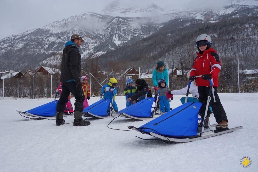 Baby Traineau neige en famille à Pelvoux Hautes-Alpes