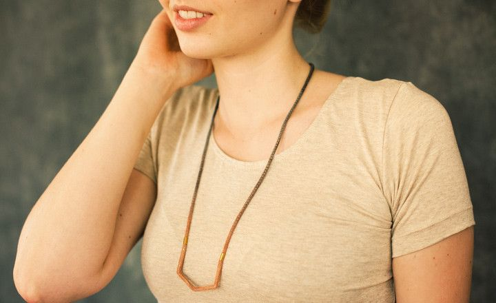 $105 MADDER AND LOGWOOD ARROW NECKLACE