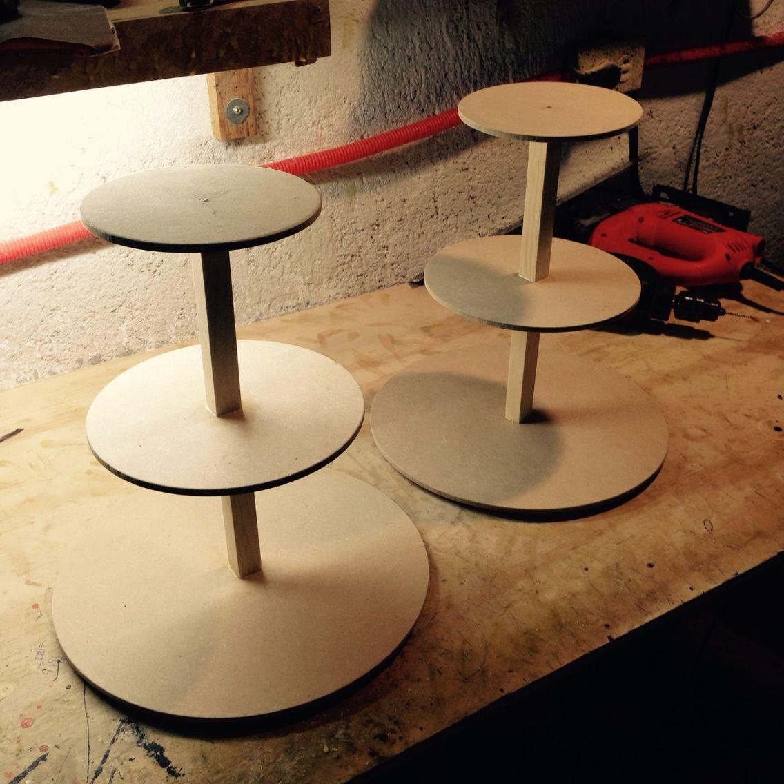 Bases de 3 niveles para cupcakes elaboradas con madera - Bases para cupcakes ...
