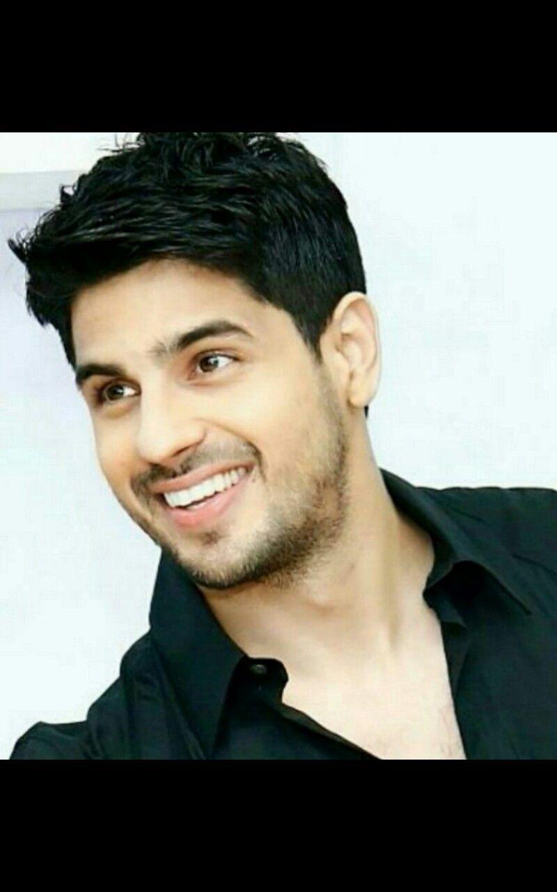 Sidharth Malhotra 5 1 18 Bollywood Actors Actors Bollywood Celebrities