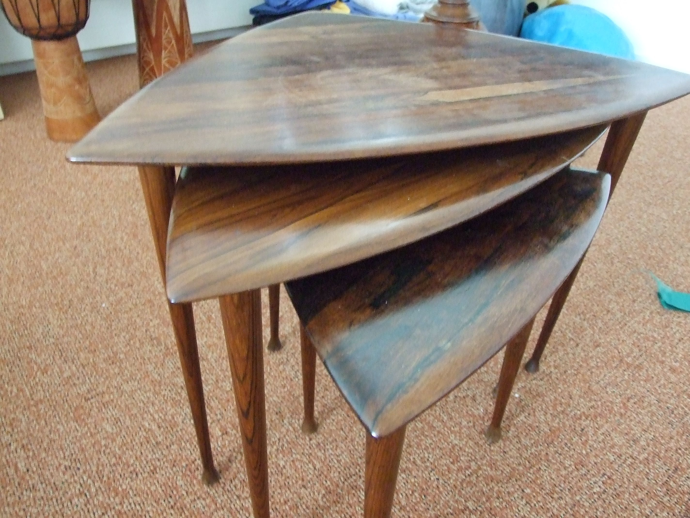 Modernist set of triangular side tables, delicate and well designed