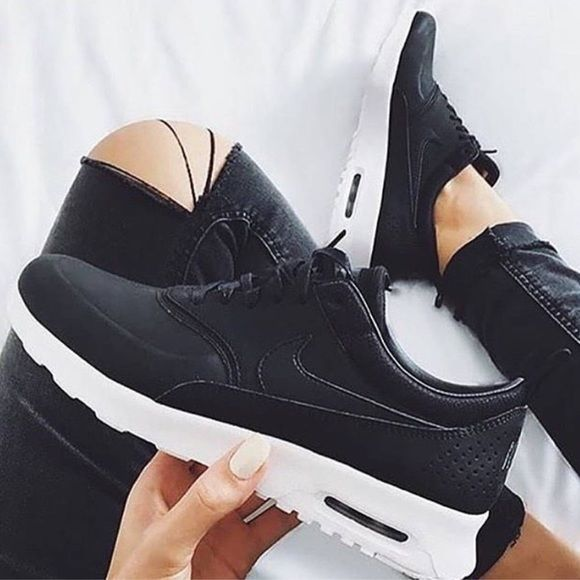 Women's Nike Air Max Thea Prm Brand new with box but no lid