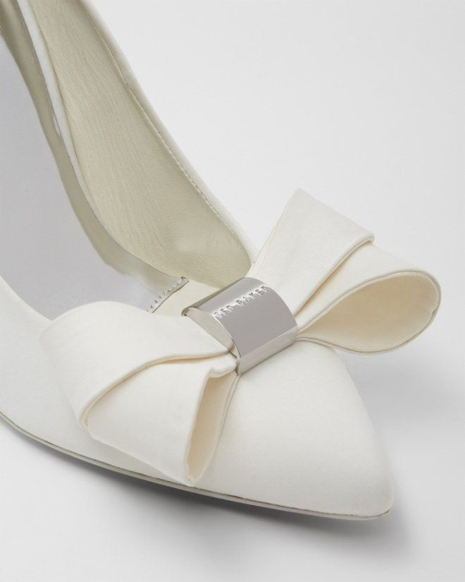 2cc9d64652e9c2 Statement bow court shoes - Cream