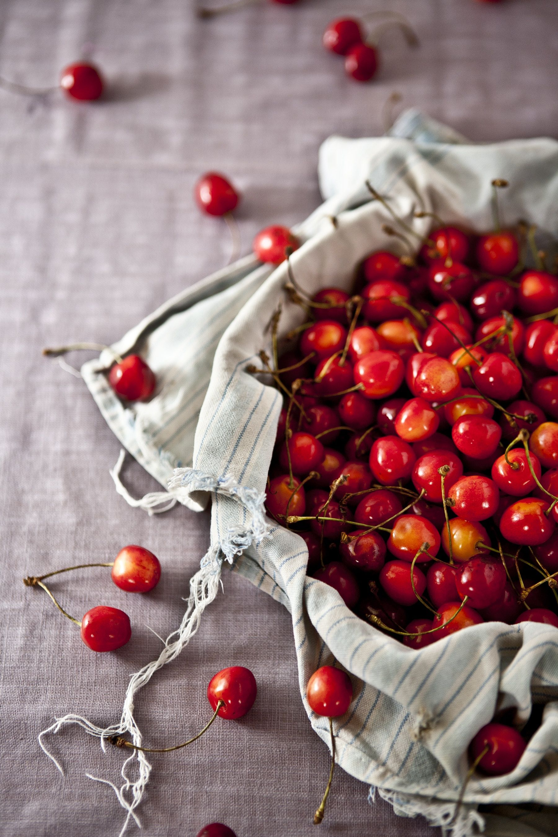8 Wholesome Foods To Promote Better Sleep (With Images