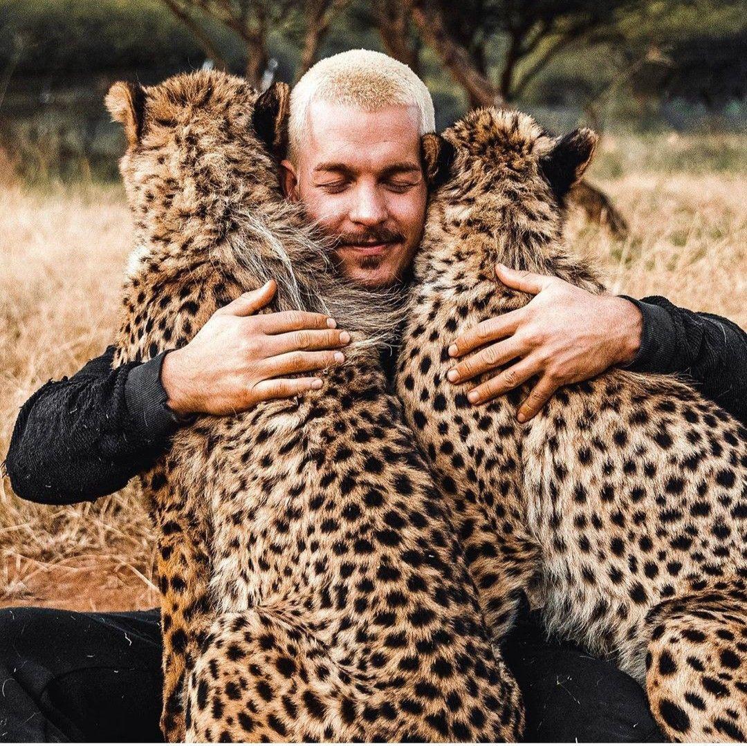 Dean Schneider   Animal photography, Animals, Dean