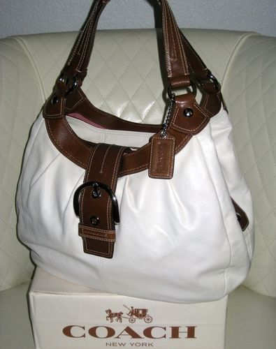 f2e4aa762f6d I m auctioning  COACH Soho Leather Pleated Lynne Hobo Bag   on  tophatter