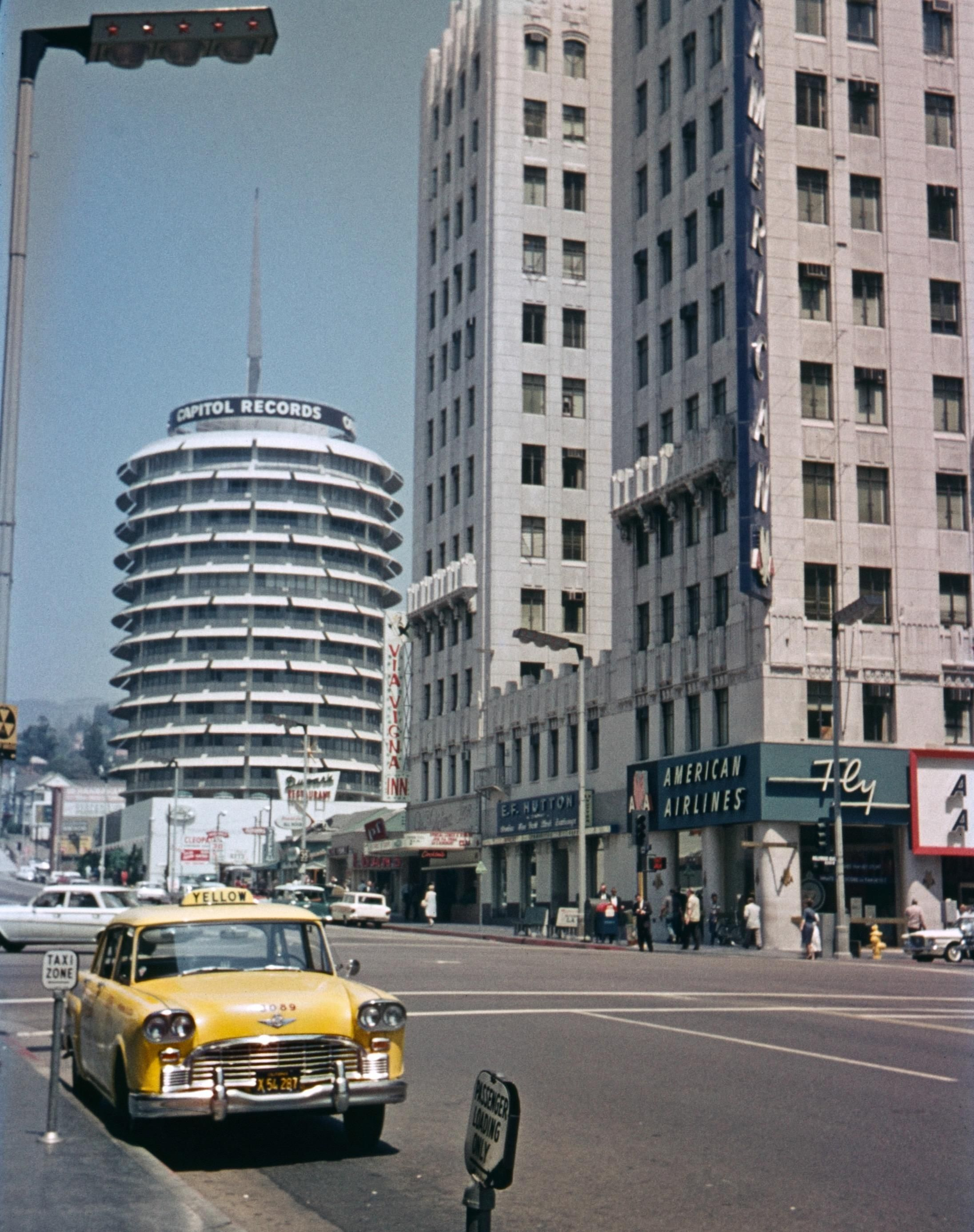 Capitol Records Tower Hollywood And Vine Los Angeles 1963 2773 X 2192 In 2020 Capitol Records Hollywood Street Los Angeles