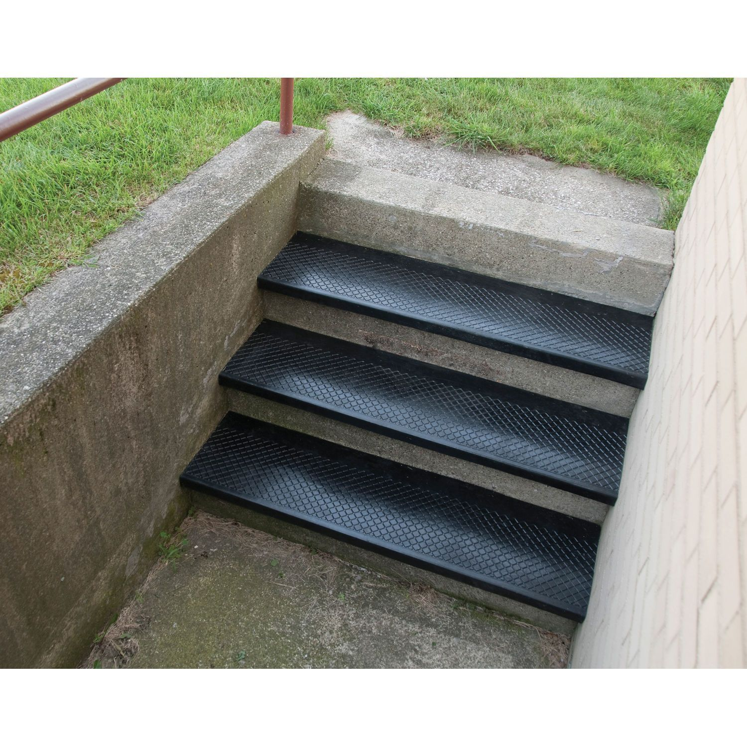 Flooring Carpeting Stair Treads Outdoor Recycled Rubber Stair Tread 48 W Black 443386 Globali Outdoor Stairs Outdoor Stair Railing Stair Tread Covers