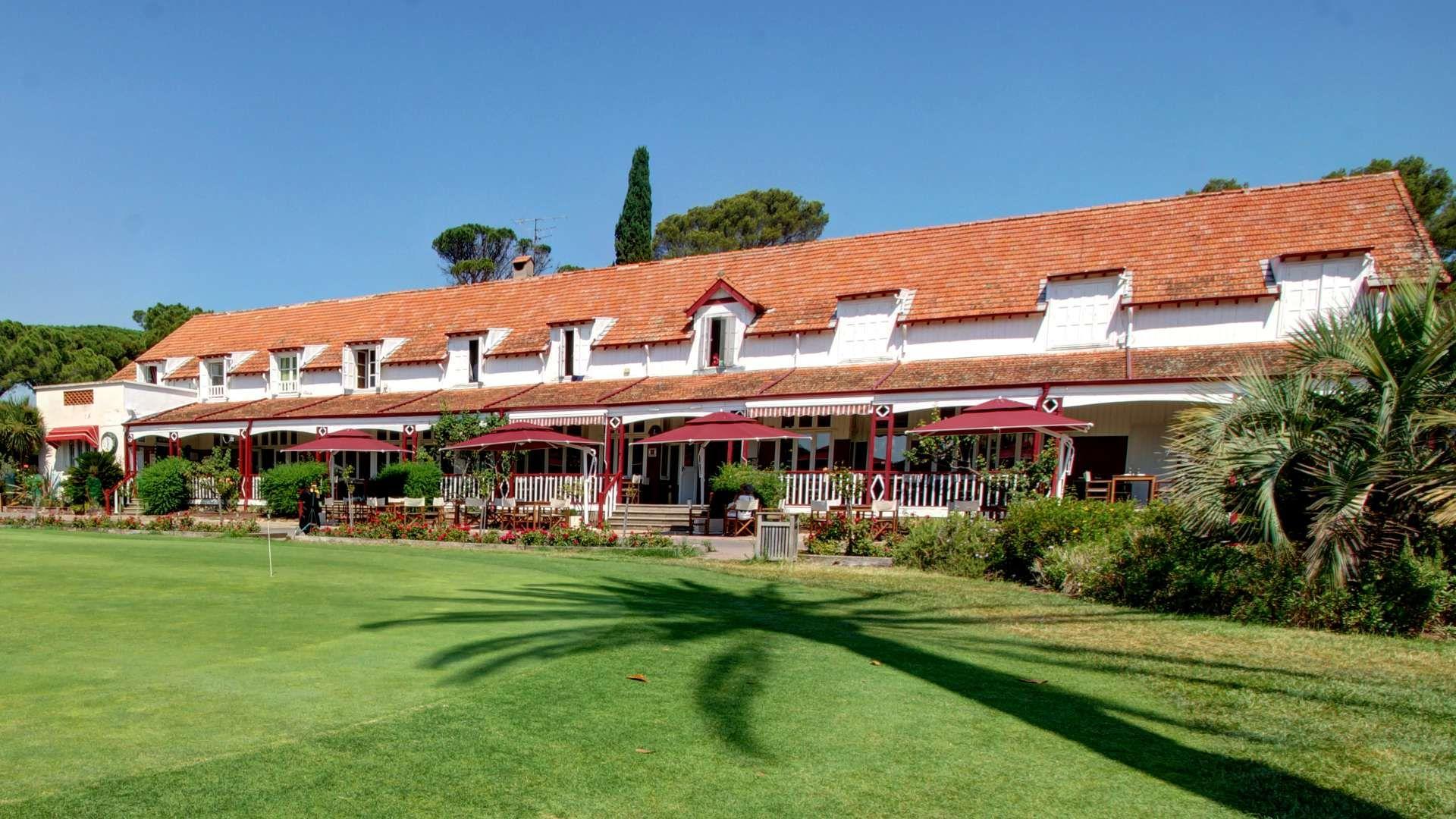 Forfait Chambre Petit Dejeuner Pour 2 1 Nuit Sejour Pour 2 Personnes Propose Par Najeti Golf Hotel De Valescure A Saint Ra Outdoor Decor Outdoor Home Decor