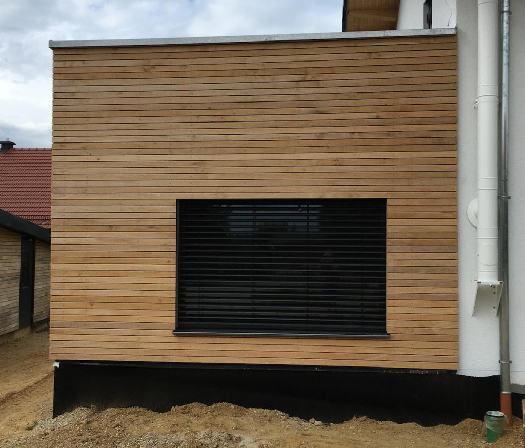 Fassade Aus Rhombusleisten In 2020 Fassade Rhombus Fassade Holzfassaden