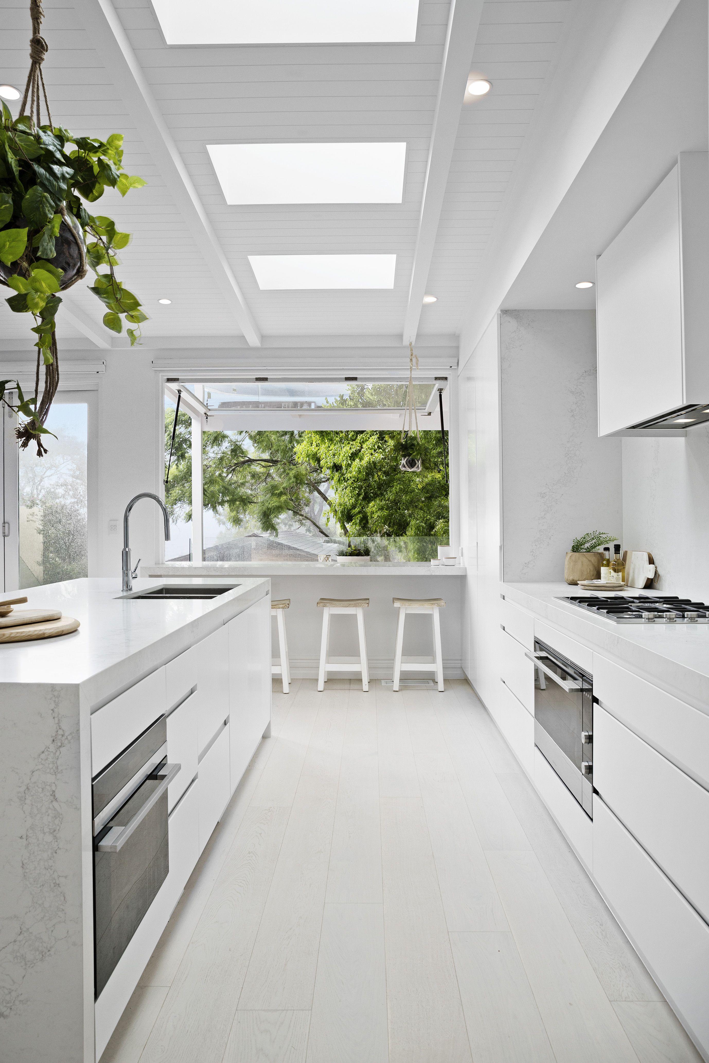 9 Sleek & Inspiring Luxury Kitchen Design Ideas Photos | Luxury ...