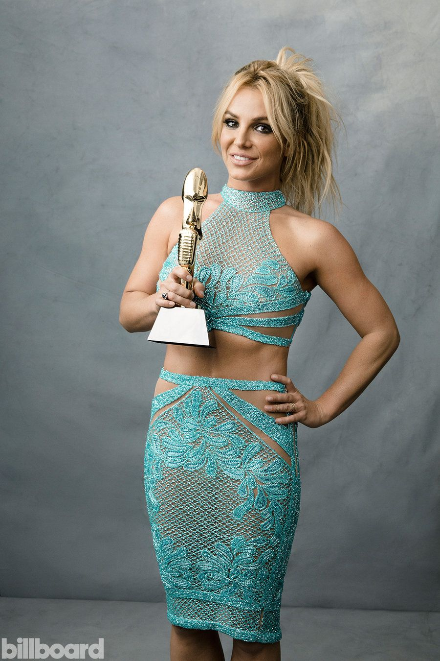 Смотреть Бритни Спирс в Billboard Magazine видео