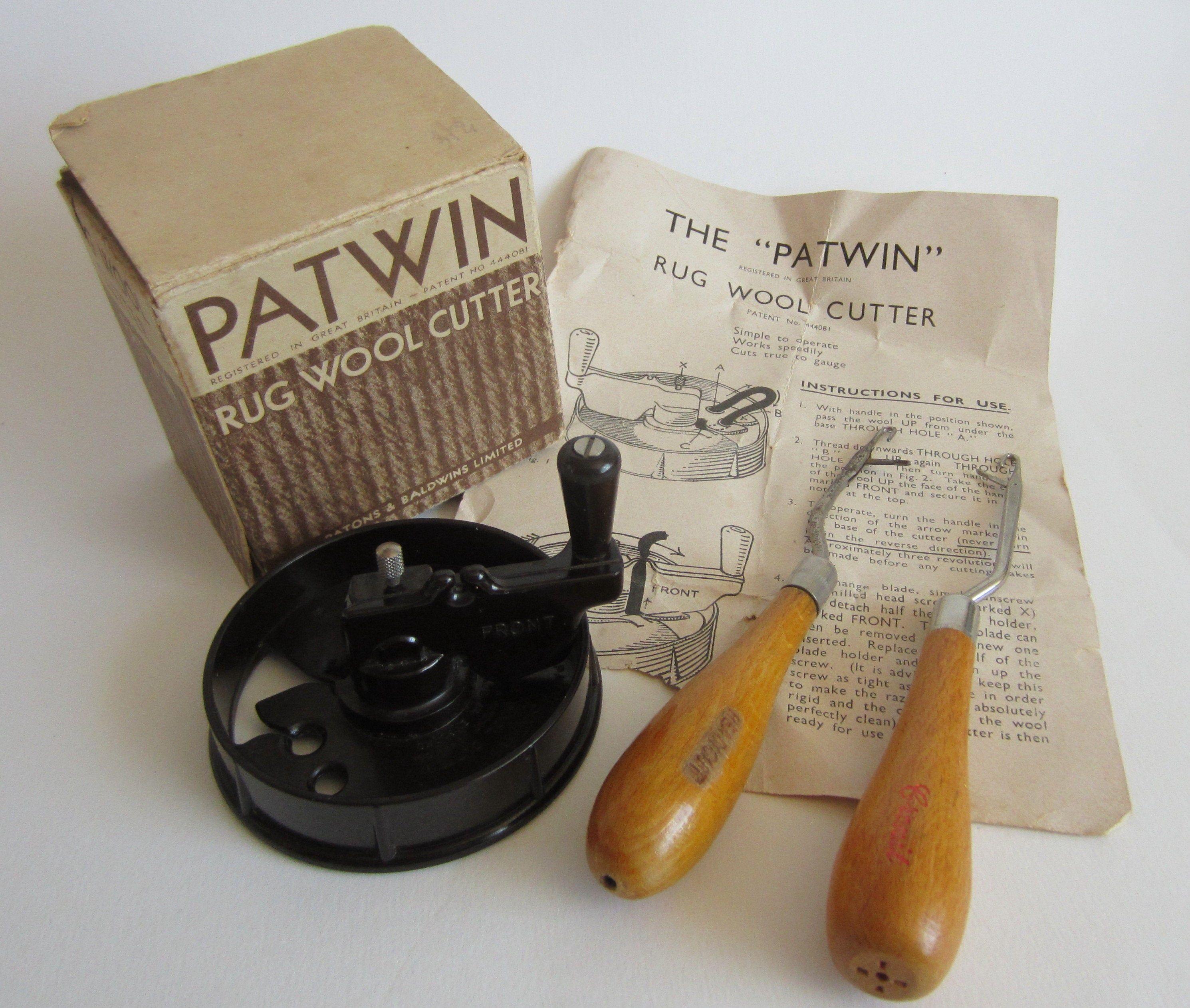 Vintage Bakelite Patwin Rug Wool Cutter