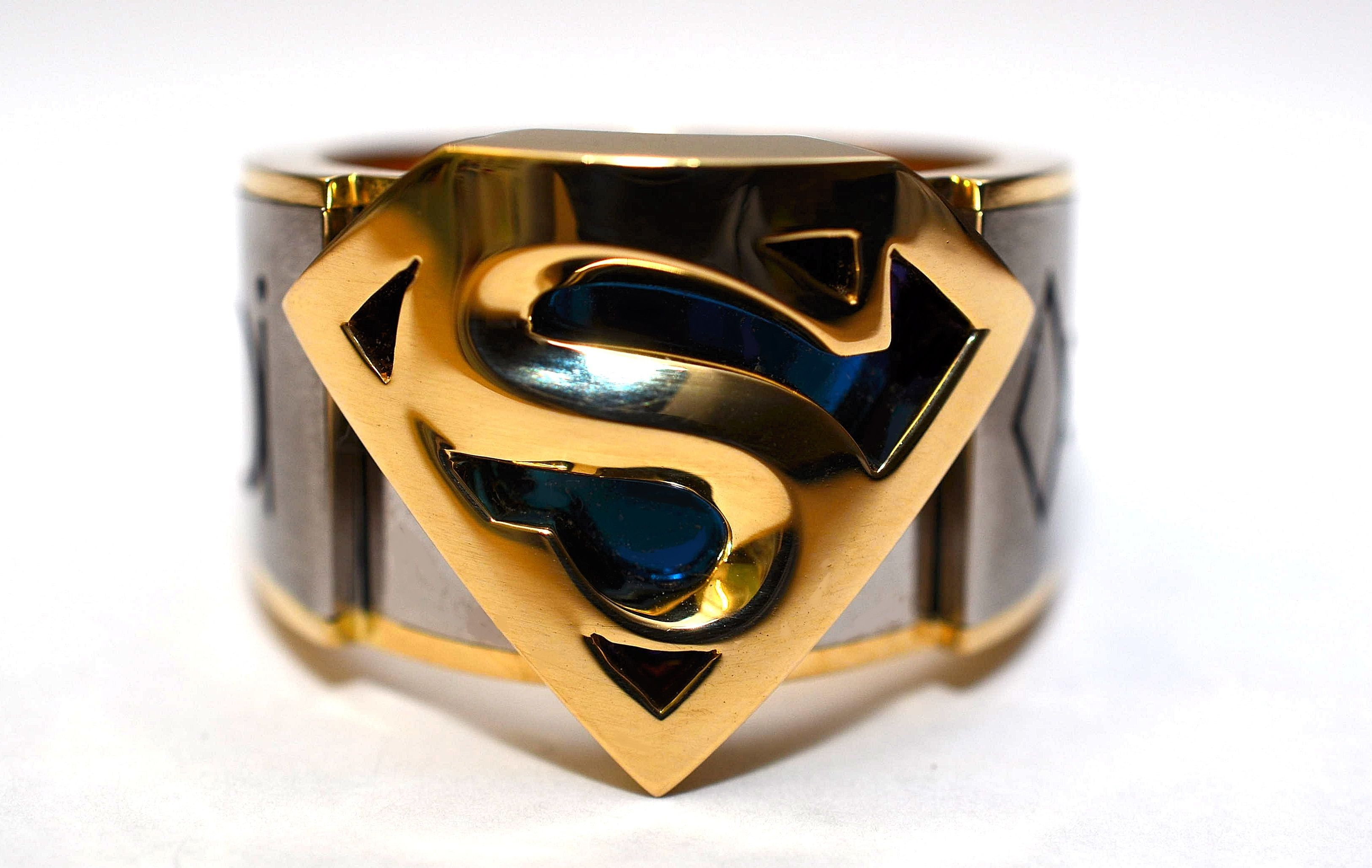 Very cool superman ring with krypton symbols all around dc very cool superman ring with krypton symbols all around buycottarizona Gallery