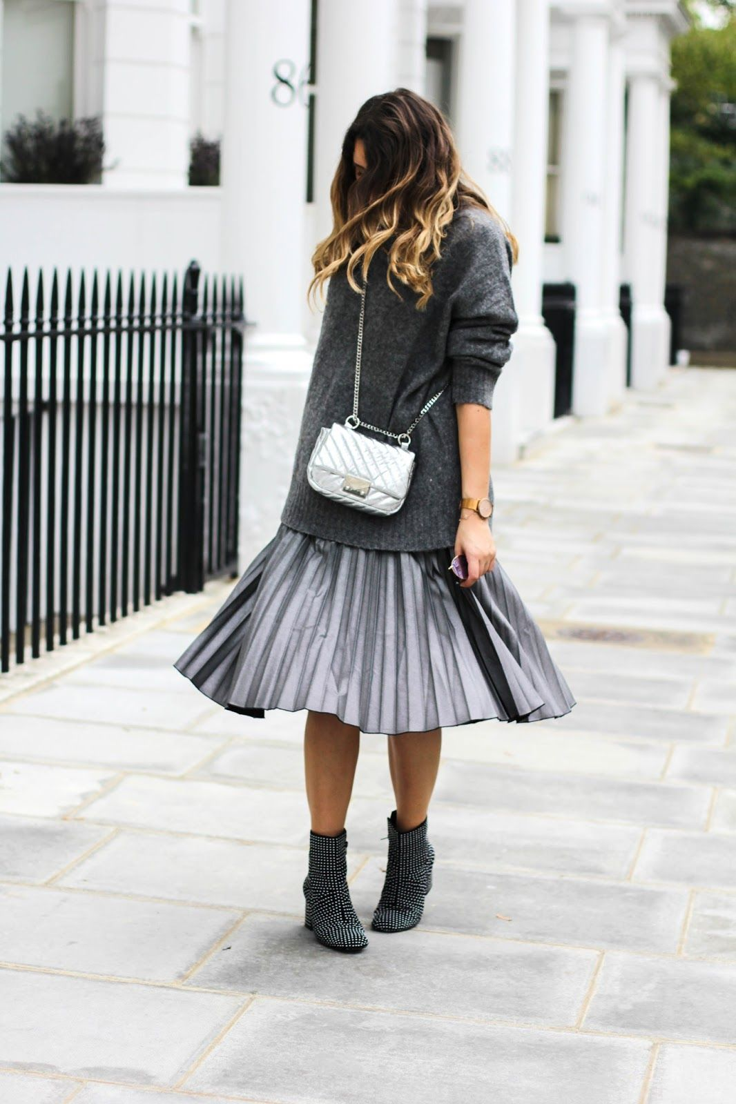62c0a91583ad7 How To Wear A Pleated Midi Skirt This Winter | Ρούχα που θέλω να ...