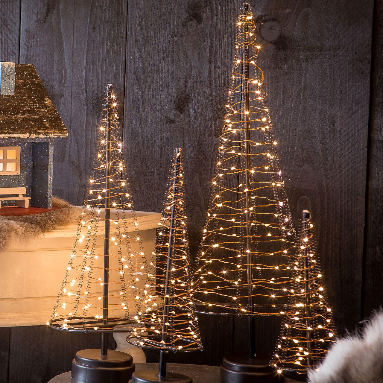 Leicht aufstellbare Leuchtbäume für Weihnachten - batteriebetrieben ...