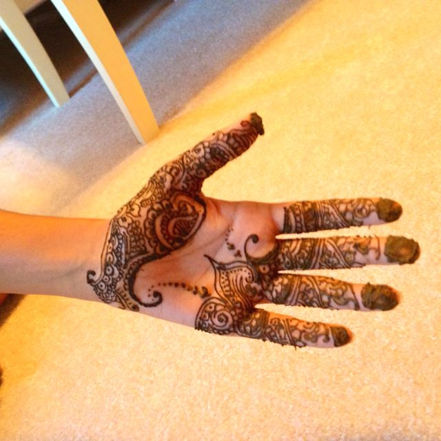 Henna on my friend Anjali. She shouldn't hand model as a profession.