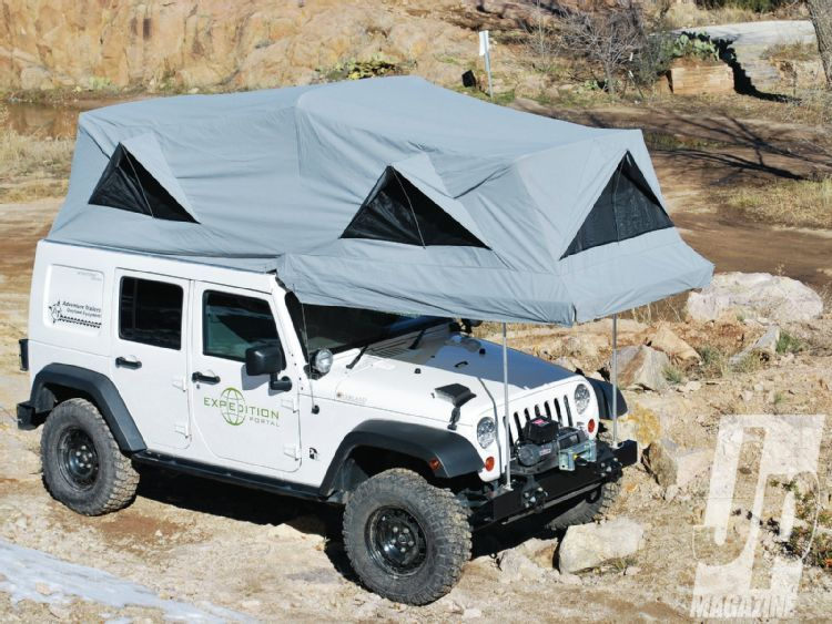 Rooftop tent for Wrangler Unlimited...freakin' sweet