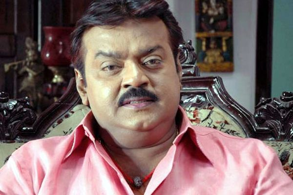 tamil-hero-vijayakanth-health-family-members-photo